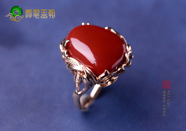 南红戒指与红珊瑚戒指在同红色基础上区别方法有哪些?