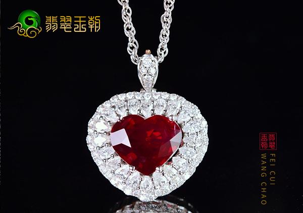 鸽血红宝石项链市场价格多少钱,几千元能买到红宝石吗?