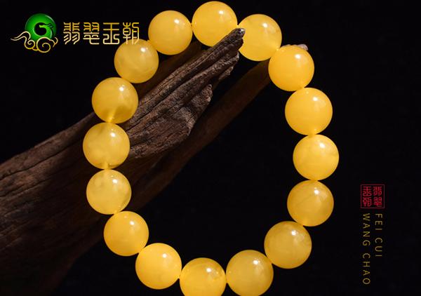蜜蜡手串长时间佩戴形成包浆其质地会发生什么变化?