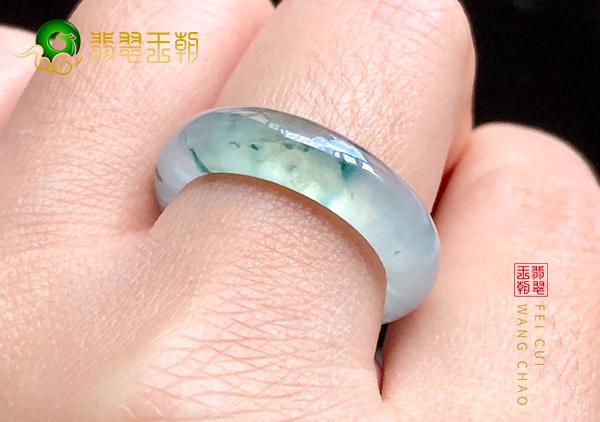 翡翠素身戒指有哪些值得选购的雕刻戒指款式?
