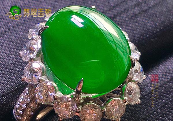 冰种阳绿色翡翠戒指收藏需要注意的几个方面