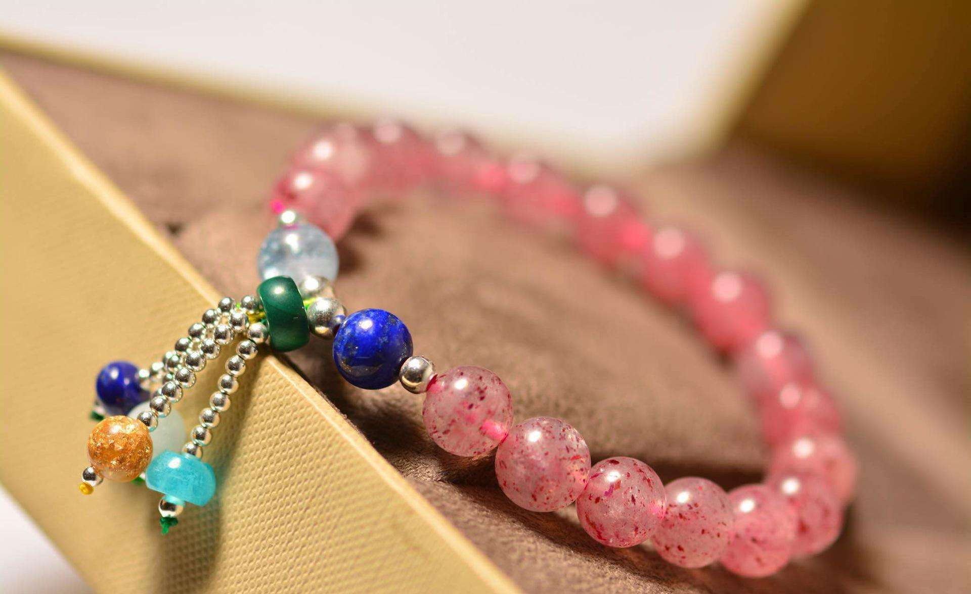 草莓晶知识大讲解,这么好看的水晶你见过吗?