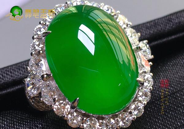 冰种满绿翡翠戒指值不值钱由顺纹和逆纹来决定