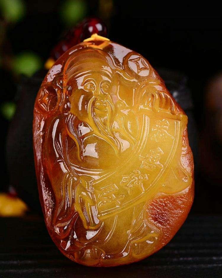 金珀和黄金蜜蜡怎么分辨?琥珀蜜蜡哪个价值高?