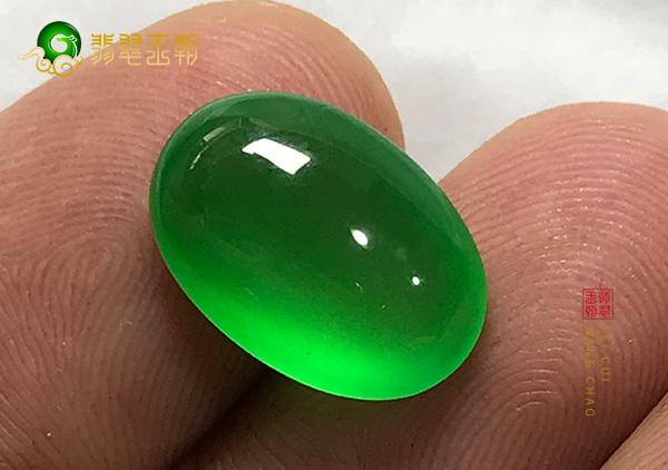糯冰种浓绿翡翠戒面镶翡翠戒指最漂亮的样式