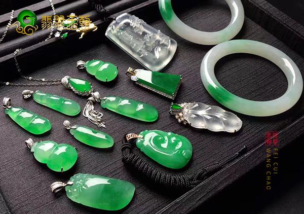 绿色翡翠手镯挂件500元和50000块钱差别在哪