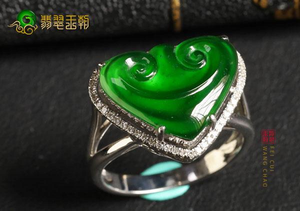 冰种阳绿如意翡翠戒面镶嵌戒指价格怎么样?