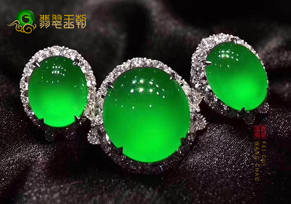 【翡翠玉雕饰品】中常见的绿色大全建议收藏