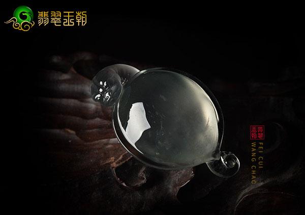 玻璃种无色龙头龟翡翠饰品佩戴摆放富贵长寿