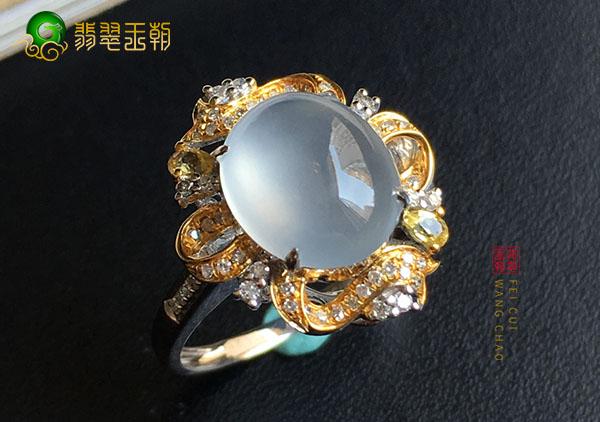 冰种无色翡翠戒面镶嵌戒指的裸石厚度怎么看