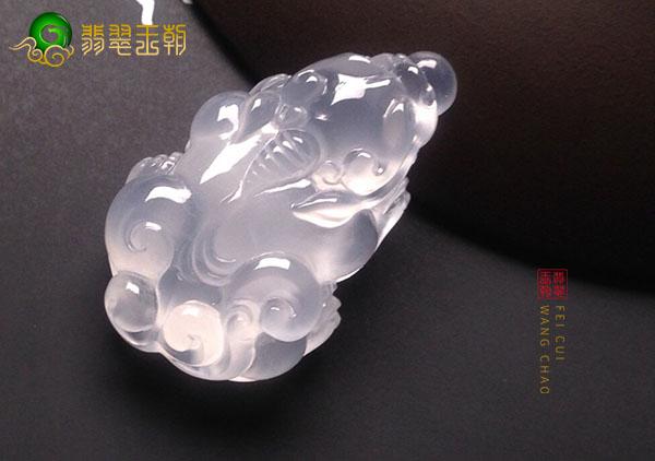 冰种无色翡翠貔貅饰品具有招财辟邪助仕之意