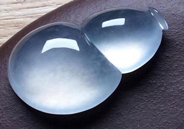 玻璃种无色翡翠葫芦可以化煞的说法靠谱吗?