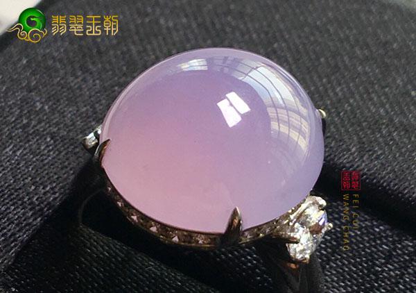 冰种紫罗兰翡翠蛋面真实颜色该如何正确观察