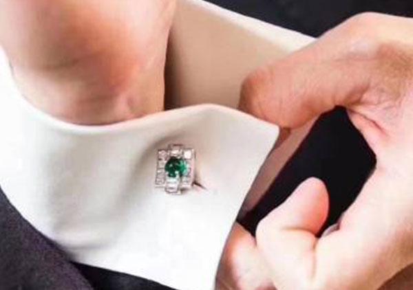 冰种满绿翡翠镶嵌袖扣适合佩戴人群以及价格