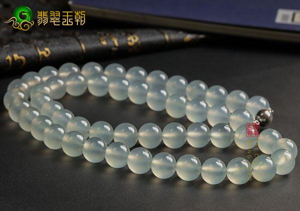 冰种晴水色翡翠珠链挑选佩戴必备的四大技能