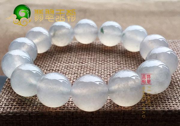 冰种白色翡翠珠串手链为男士特制的挑选指南