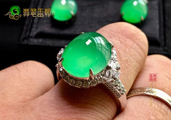 冰种晴水翡翠镶嵌戒指投资收藏的几大注意事项