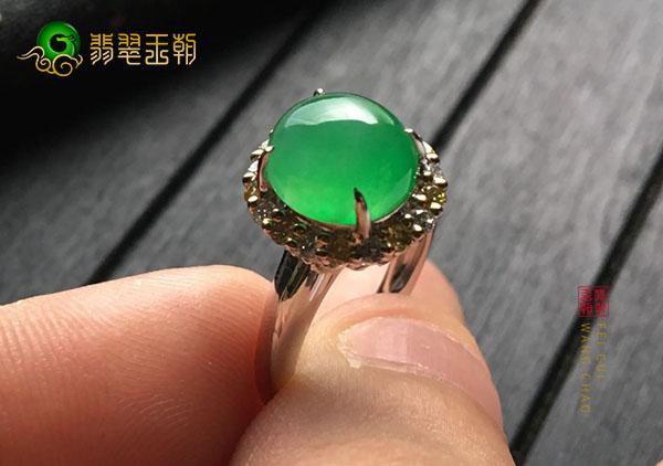 冰种绿晴水翡翠镶嵌戒指的造假应该怎么识别