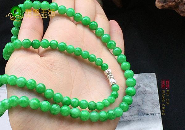 【翡翠价格】细糯种满绿翡翠项链的价格贵不贵