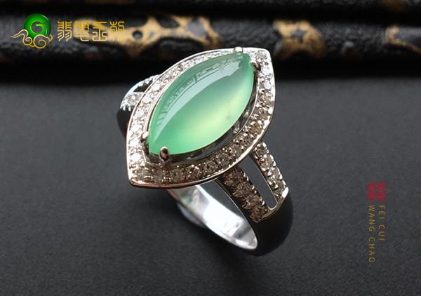 冰种晴水翡翠镶嵌戒指购买挑选要注意的几个点
