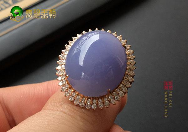 糯冰种紫罗兰翡翠镶嵌戒指的底和种水是什么关系