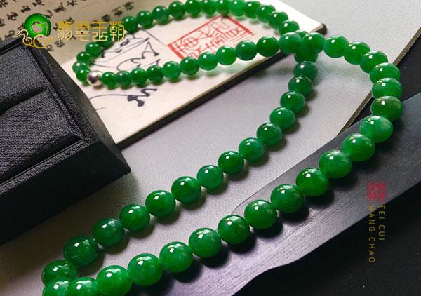 糯冰种浓绿翡翠珠串项链中棉对价值的影响有哪些