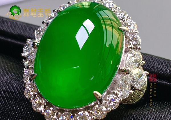 冰种正阳绿翡翠蛋面镶嵌戒指为什么是收藏首选