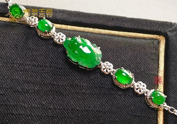 冰种满绿翡翠貔貅手链镶嵌款的保养方法有哪些