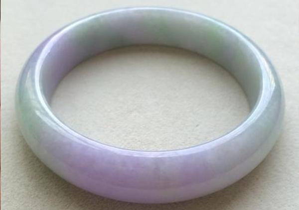 豆种紫罗兰翡翠手镯长什么样?价格如何?